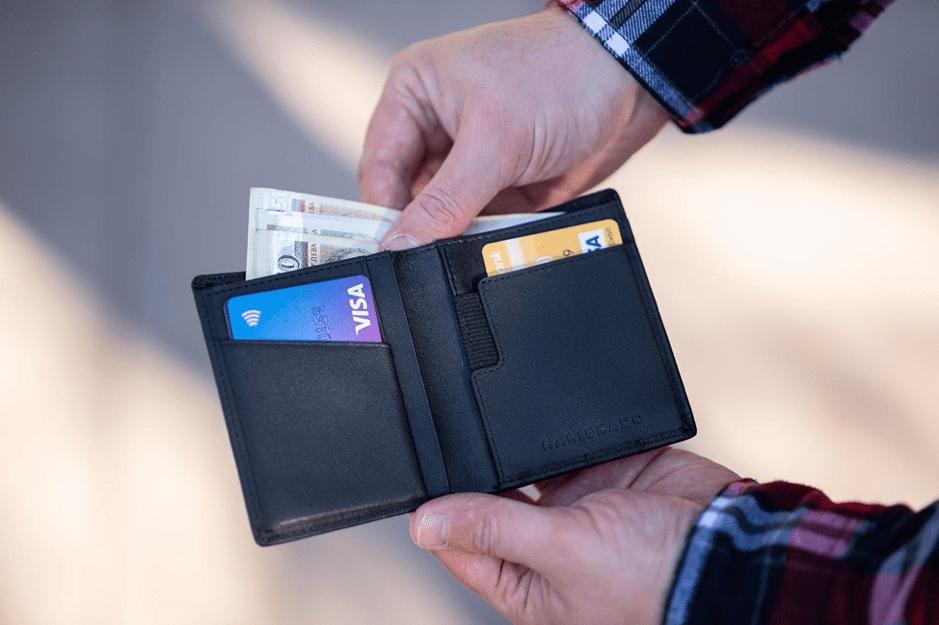 Managing Credit Cards, Debts, and Consumer Loans (Forbrukslån)